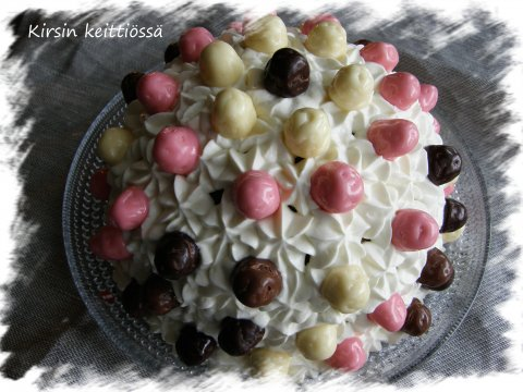 Melkein kakku...