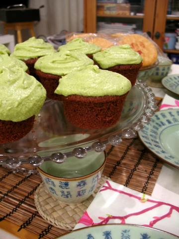 1233754041_vihreä tee muffinit.jpg