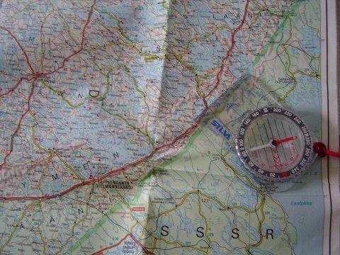 Kartta Ja Kompassi Ynnamuut Suunnistusvalineet Jerikonruusu